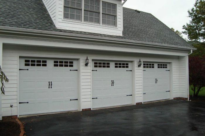 house with garage